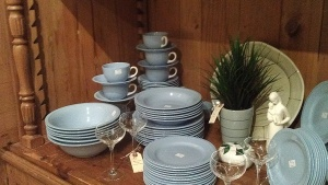 Love the robin's egg blue color of this dish set!!!