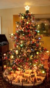 Shiny-Brite-Tree[1]