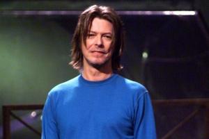 David-Bowie-by-Frank-Micelotta-Hulton-Archive-419x6301[1]