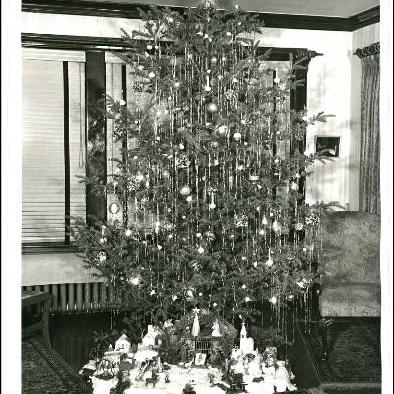 1940s-tree
