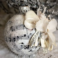 chistmas-music-ornament
