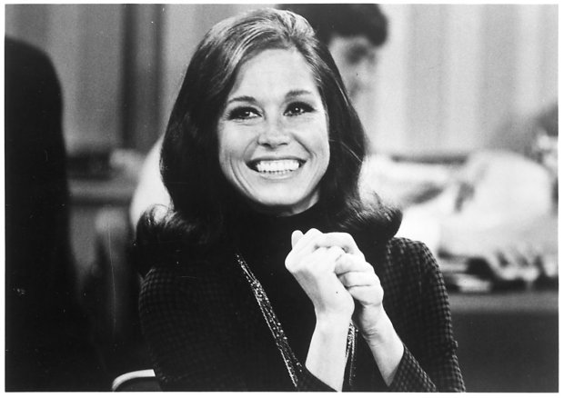 Mary Tyler Moore -- SLUG: old mary PHOTO DATE: NA SCAN DATE: 1/31/00 CREDIT: Viacom