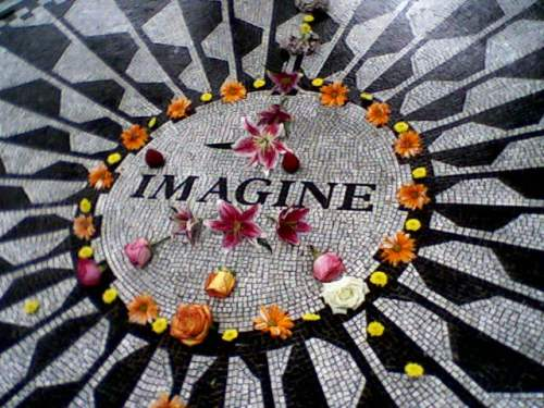 Imagine-John-Lennon-Memorial-Central-Park-Strawberry-Fields